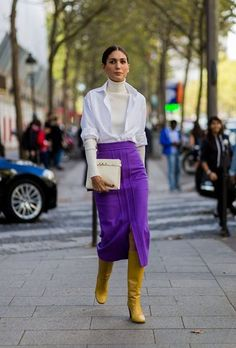 And the breakout street style star of fashion week is. Star Fashion, Look Fashion, Winter Fashion, Fashion Outfits, Luxury Fashion, Fashion Deals, Fashion Mode, Paris Fashion, Trendy Fashion