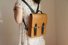 Buy bag from Amazon!!! http://www.amazon.com/s/ref=nb_sb_noss?url=me%3DA1CZ9BXM3YAQRK&field-keywords=whatland
