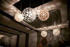 Luminária Pendente Coral @maislume Ceiling, Chandelier, Decor, David Trubridge, Home Decor, Ceiling Lights