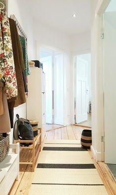 Homestory: Pixi87 #homestory #altbau #oldbuilding #wohnzimmer #livingroom #midcentury #flur #corrido r#garderobe #wardrobe