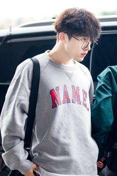 did hanbin forgot his ig password? lol~ i miss him tho. i hope he'll post something later 🙏🏻 ➖ c(pics). Kim Hanbin Ikon, Ikon Kpop, Yg Entertainment, Got7, Ikon Leader, Yg Artist, Koo Jun Hoe, Ikon Wallpaper, Bts Boys