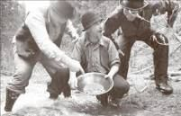 Miners using the traditional way of mining Panning For Gold, Fraser River, Gold River, Gold Rush, Social Studies, History, Couple Photos, Traditional, Google Search