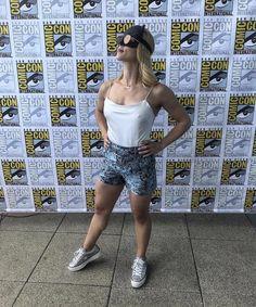 Arrow Felicity, Arrow Cw, Team Arrow, Felicity Smoak, Emily Richards, Gus G, Arrow Tv Series, Stephen Amell Arrow, Emily Bett Rickards