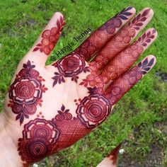 Explore the list of best and trending mehndi designs for every occasion. Latest mehndi designs for your wedding or any other events Mehandi Designs Images, Henna Art Designs, Mehndi Designs 2018, Mehndi Designs For Girls, Modern Mehndi Designs, Bridal Henna Designs, Dulhan Mehndi Designs, Mehndi Design Pictures, Beautiful Mehndi Design