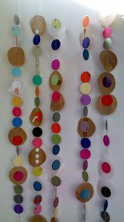 * Slingers van cirkels de ll knippen verschillende cirkels en plakken maar!