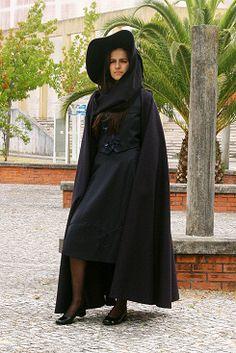 Algarve's Academical Outfit Algarve, Portugal, Ideias Fashion, Raincoat, Jackets, Outfits, Live, Google, University