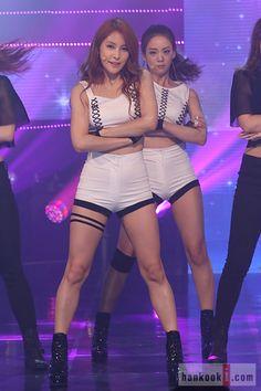 KARA - GyuRi & SeungYeon : 카라 박규리, 다이어트로 완벽해진 각선미 | Daum 연예