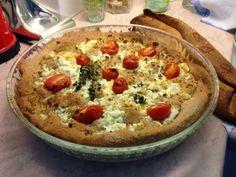 Σπιτικό γεμιστό ψωμί ολικής άλεσης, με τυρί χαμηλών λιπαρών, γαλοπούλα και λαχανικά