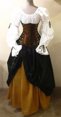 A dress which brings us back to medieval period 🤗🤗 Renaissance Fair Costume, Medieval Costume, Renaissance Clothing, Medieval Dress, Costume Steampunk, Style Steampunk, Steampunk Clothing, Vintage Dresses, Vintage Outfits