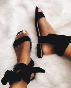 Such cute summer shoes! Studded Sandals, Strappy Sandals, Black Sandals, Shoes Sandals, Fashion Models, Fashion Shoes, Women's Fashion, Ankle Strap Heels, Ankle Straps