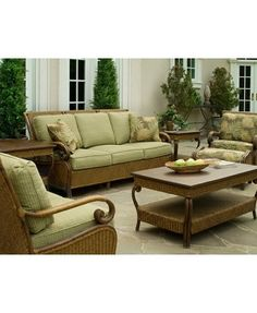 Ordinaire Braxton Culler Cinnamon Bay Collection Seating Group In Cinnamon Finish  With Light Green Patterned Fabrics