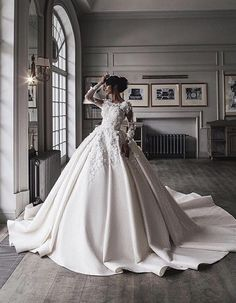 modern AND modest ? something unheard, do i️ dare say? Engagement and Hochzeitskleid Hochzeitskleid modern AND modest ? something unheard, do i️ dare say? Engagement and Hochzeitskleid 2019 Perfect Wedding Dress, Dream Wedding Dresses, Wedding Gowns, W Dresses, Bridal Dresses, Bridal Hijab, Weeding Dress, Beautiful Gowns, Dream Dress