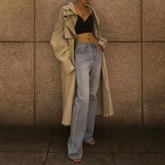 Over layerd trench coat Girl Fashion, Fashion Outfits, Womens Fashion, Fashion Trends, Strappy Crop Top, Espadrilles Outfit, Corset, Mom Jeans, Street Wear