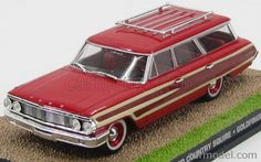 EDICOLA BONDCOL105 Skala: 1/43  FORD USA COUNTRY SQUIRE STATION WAGON 1965 - JAMES BOND 007 - GOLDFINGER -Skala:: 1/43 Zustand: M Code: BONDCOL105 Farbe: RED WOOD Material: Die-Cast