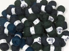 Winter Yarns Fiber Content 40% Acrylic 25% Wool 20% Nylon 15% Mohair Brand ICE fnt2-41336