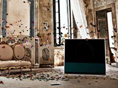 BeoVision 11 challenges all previous conceptions of what a TV can be by introducing a world of digital entertainment at your fingertips Cinema Experience, Bang And Olufsen, Home Cinemas, Timeless Design, Bangs, Oversized Mirror, Concept, Entertaining, Pictures