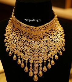 Latest Collection of best Indian Jewellery Designs. Indian Gold Necklace Designs, Gold Jewellery Design, Gold Jewelry, Jewelery, Indian Wedding Jewelry, India Jewelry, Diamond Choker, Gold Designs, Chocker