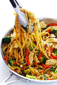 This Sesame Chicken Noodle Stir-Fry recipe is quick and easy to make, . - This Sesame Chicken Noodle Stir-Fry recipe is quick and easy to make, easy to customize w - Chicken Stir Fry With Noodles, Pork Stir Fry, Stir Fry Noodles, Recipes With Rice Noodles, Egg Noodle Stir Fry, Stir Fry Pasta, Healthy Chicken Stir Fry, Vegetarian Chicken, Ramen Noodles