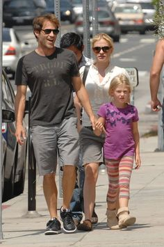 Stephen Moyer holds hands with his two favorite girls, fiancee Anna Paquin and daughter Lilac