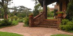 Residência italiana. CREARE Paisagismo. Canela - RS - Brasil | residencial garden By Creare paisagismo