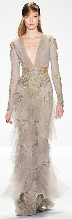 Queen Cersei - FALL 2014 READY-TO-WEAR Badgley Mischka