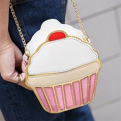 Are you also fan from original bag designs? Then this lovely cupcake bag might be for you! Click for more details