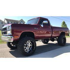 Nicely done First Gen Cummins Cummins Diesel Trucks, Dodge Diesel, Dodge Cummins, Lifted Cummins, Old Dodge Trucks, Old Pickup Trucks, Lifted Chevy Trucks, Lifted Ford, Dodge Pickup