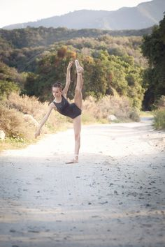 {ballet}....jordyn Photo By Marsha McNeely Photography #balletphotos, #balletphotography, #outsideballet, #socalballetphotographer