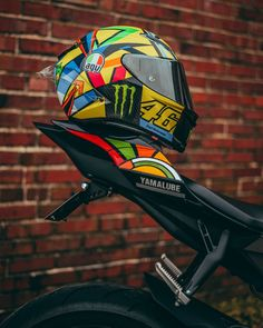 [New] The 10 Best Art Ideas Today (with Pictures) Smart Motorcycle Helmet, Sport Bike Helmets, Agv Helmets, Custom Motorcycle Helmets, Futuristic Motorcycle, Racing Helmets, Moto Bike, Yamaha Fz 16, Yamaha Bikes
