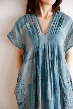Nani Iro Kokka Saison for dress at DuckDuckGo Kaftan Designs, Kurta Designs Women, Blouse Designs, Kurta Neck Design, Sewing Clothes, Dress Sewing, Indian Designer Wear, Mode Outfits, Cotton Dresses