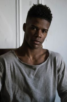 Alejandro Harris represented by Red NYC Models Gorgeous Black Men, Handsome Black Men, Beautiful Men, Dark Skin Models, Dark Skin Men, Dark Man, Black Male Models, Style Outfits, Hommes Sexy