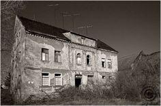 Geburtshaus von H. D. Genscher In Halles Stadtteil Reideburg ..vor der Sanierung