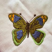 Small butterfly for embellishment of pillows, place mats, napkins... so many possibilities!