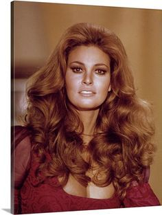 Raquel Welch, Beautiful Celebrities, Beautiful Actresses, Actrices Hollywood, Natural Beauty Tips, Grunge Hair, Redheads, Divas, Your Hair