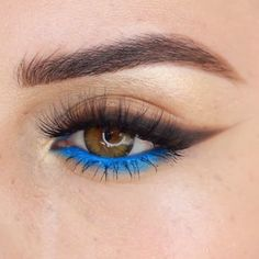 Blue Smokey Eye Makeup Glam Tutorial Idea Hope you enjoy this by Pretty Makeup Looks, Makeup Eye Looks, Eye Makeup Art, Blue Eye Makeup, Cute Makeup, Smokey Eye Makeup, Skin Makeup, Makeup Inspo, Eyeshadow Makeup