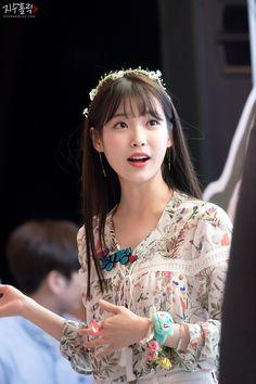 IU at Sony Fansign cr.as tagged Korean Actresses, Korean Actors, Actors & Actresses, Pretty Korean Girls, Jennie Lisa, Celebs, Celebrities, Korean Beauty, Korean Singer