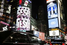 Jesus Takes Over Times Square | Full Story: http://jimbakkershow.com/news/jesus-takes-times-square/