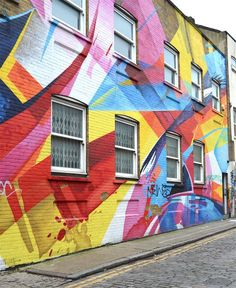The 35 Must See Places in London: Shoreditch is one of the most lively areas of East London–and home to some of the most beautiful and alternative graffiti in the city.
