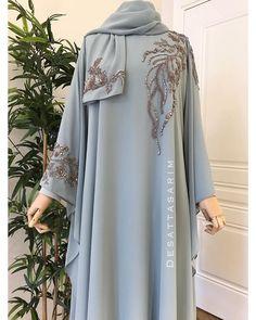Modest Fashion Hijab, Abaya Fashion, Kimono Fashion, Fashion Dresses, Muslim Women Fashion, Islamic Fashion, Girls Fashion Clothes, Girl Fashion, Abaya Designs Latest