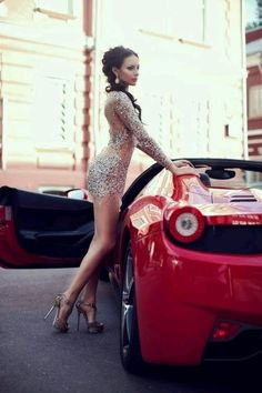 Enjoy this stylish Ferrari photo collection of 50 cars with 50 beautiful girls. Choose and set up your new Ferrari wallpaper ? You may also like: Gallery of 15 Cool Photos of Ferrari 50 Alfas & 50 Women (Photo Gallery Sugar Baby, Sexy Cars, Hot Cars, Car Girls, Pin Up Girls, Rich Girls, Auto Retro, Sexy Hot Girls, Belle Photo