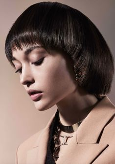 With layered bob haircuts theres no way you wont look your best. Dive into our g. With layered bob Layered Bob Haircuts, Medium Bob Hairstyles, Sleek Hairstyles, Haircuts With Bangs, Professional Hairstyles, Straight Hairstyles, Hairstyles 2018, Charlize Theron Hair, Choppy Cut