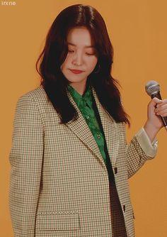 kim yerim or yeri being cute as hell :))))) Kim Yerim, Red Velvet Irene, Star Girl, Red Queen, Seulgi, Ulzzang, Actors & Actresses, Girlfriends, Queens