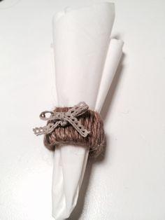 DIY: Napkin holder