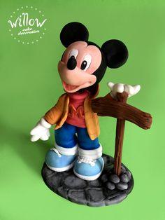 Mickey Mouse, fondant cake decoration