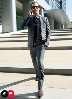 Men's street style fashion: Paul Walker is very dapper in this gray suit Fashion Mode, Suit Fashion, Look Fashion, Mens Fashion, Lifestyle Fashion, Office Fashion, Street Fashion, Fashion Shoes, Sharp Dressed Man