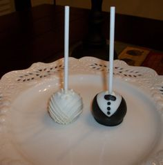 Bride / Groom Wedding Cake Pops by KaitlinsKonfections on Etsy, $30.00