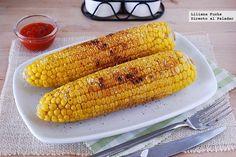 Receta de mazorcas de maíz a la plancha. Con fotos de la presentación y paso a paso, consejos y sugerencias de degustación: http://www.directoalpaladar.com/recetas-de-legumbres-y-verduras/mazorcas-de-maiz-a-la-plancha-receta