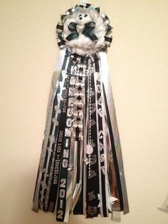 Homecoming Mums for all Texas, Stephanie's Mum Shop is now taking orders for 2014. Place your order early and have it ready for your homecoming.