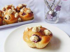 Cum sa faci cele mai bune briose - 10 retete simple si gustoase Mai, Muffins, Cupcakes, Breakfast, Food, Mascarpone, Morning Coffee, Muffin, Cupcake Cakes