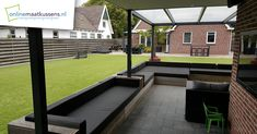 loungekussens op maat Deck, Mansions, House Styles, Outdoor Decor, Home Decor, Decoration Home, Manor Houses, Room Decor, Front Porches